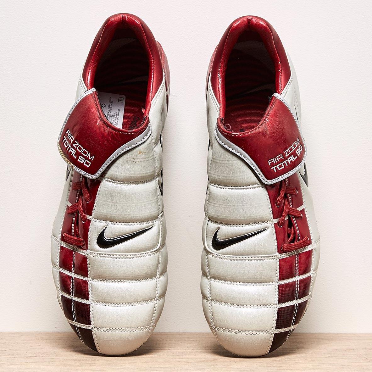 c45331340 Closer Look  Nike Air Zoom Total 90 II 2002 Football Boots - Footy ...