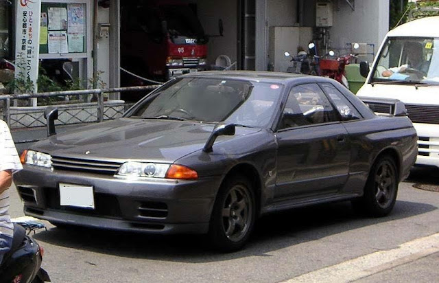 Nissan Skyline GT-R s in the USA Blog: Fender or Wing ...