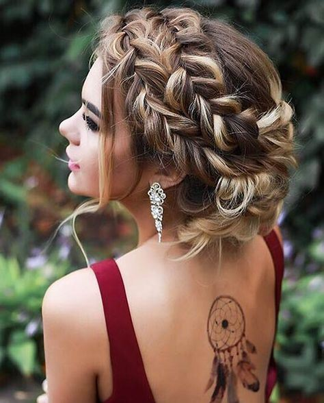 Gorgeous Prom Hairstyle for Long Hair