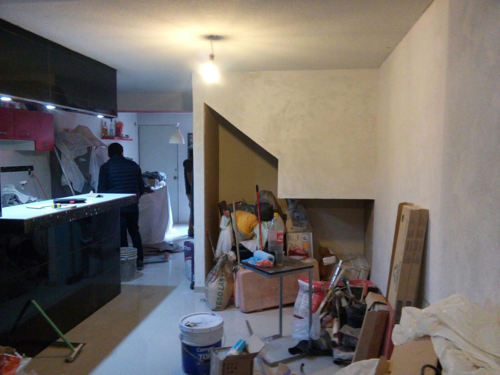 Dise o y decoraci n de interiores departamentos peque os y - Plafones de pared ...