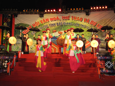 Màu sắc với truyền thống văn hóa dân tộc