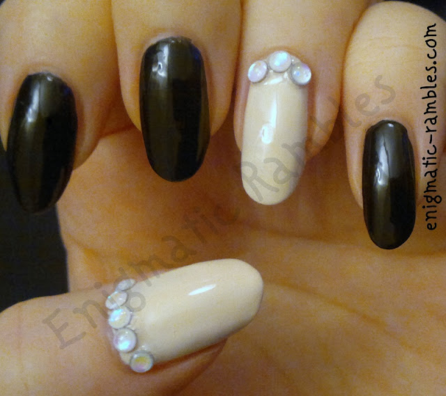 accent-cuticle-nails-jacava-vanilla-slice