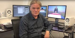 Jeroen Akkermans en Richard Plugge op De Perstribune van MAX