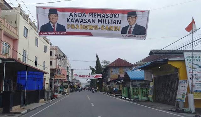 "Kabupaten Rokan Hilir Riau Dibanjiri Spanduk ""Anda Memasuki Kawasan Militan Prabowo-Sandi"""