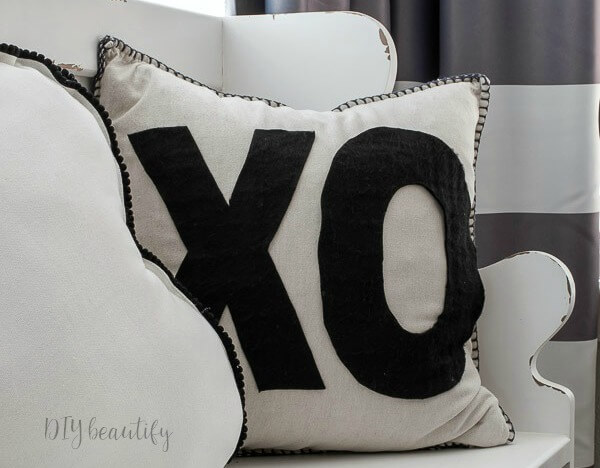 DIY Valentine's XO pillow