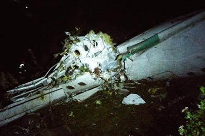 Avião que transportava equipe da Chapecoense cai na Colômbia