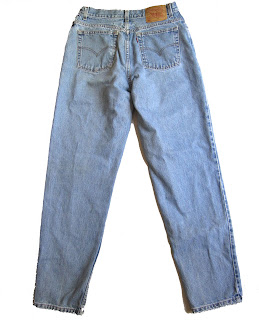 http://www.ebay.com/itm/Vtg-Levis-550-Relaxed-Fit-Tapered-Medium-Wash-Mom-Jeans-High-Waist-31in-/292270760599?hash=item440cb1e297:g:qT4AAOSwZVZZynqs