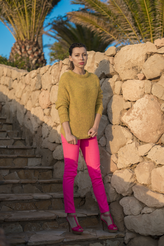 pink trousers street fashion