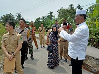 Bupati Suyatno Sidak Jalan Terbelah dan Amblas di Bangko Kiri