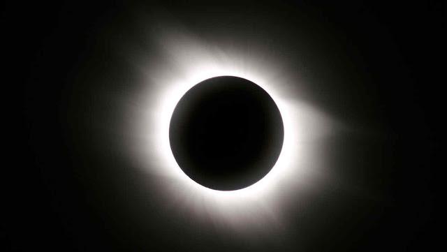 El rincón de Chloe Capulleto :: Actualización  {24-Feb-2019} - Página 2 Eclipse-solar-total1