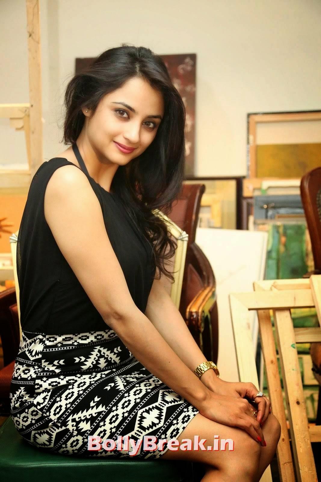 Actress Madirakshi Stills, Actress Madirakshi Hot Pics in Skirt & Black Top