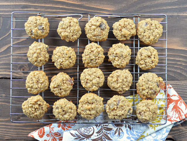 Chewy-Spiced-Oatmeal-Raisin-Cookies-Cool-Cookies.jpg