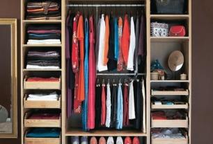 Ingin Lemari Pakaian Terkesan Cantik? Perbuat 7 Faktor Ini