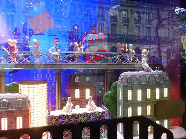 vitrines de Noël boulevard Haussmann