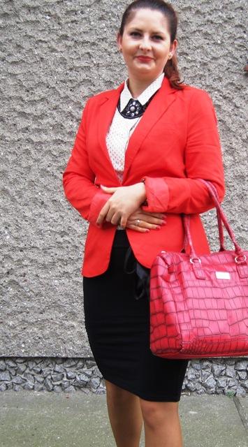 99b34e1975902 Czerwona marynarka - New Yorker Czarna spódniczka - SH - jedna z moich  ulubionych rzeczy w szafie. Koszula - SH Buty z ćwiekami - allegro