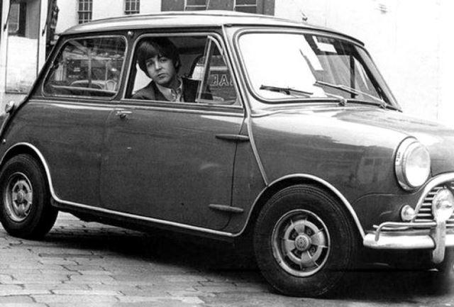 Οι Beatles οδηγούσαν Mini