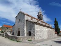 Župna crkva sv. Ante Opat, Pražnica, otok Brač slike