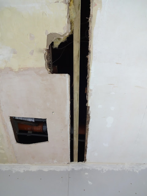 ceiling with two different heights