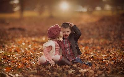 Sevimli-Bebek-Kız-Erkek-öpüşme-resimleri-görüntü