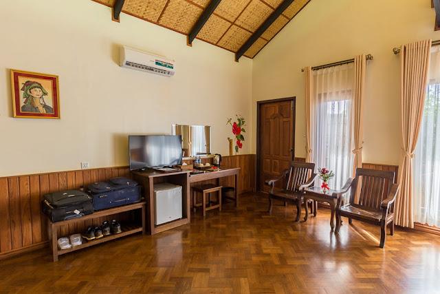 Mobiliario habitación doble hotel Spring Lodge Inle