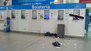 Incidentes en la línea Sarmiento por suspensión de servicios