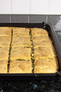 Priprema pite sa spanaćem i sirom