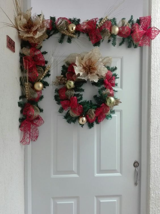 15 ideas espectaculares para decorar puertas en navidad for Decoracion navidena puertas y ventanas