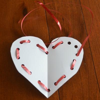 DIY Valentine lacing toy card