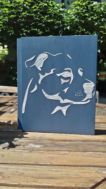 Inspiracje ze świata przyrody – szkatułka – książka z amstaffem ;)