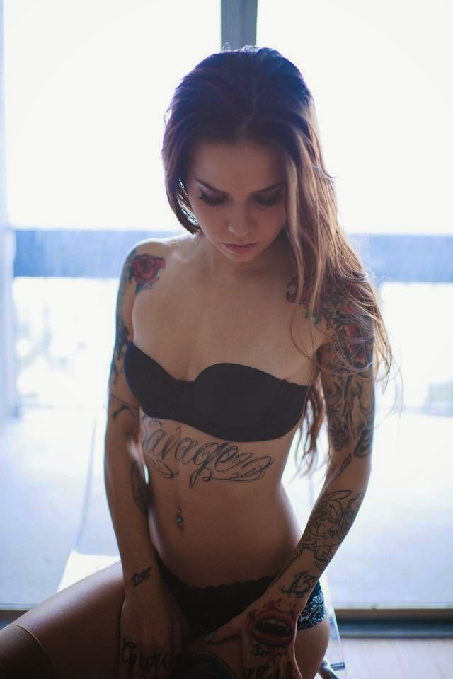 Holly Savage Photos | Sexy Tattooed Girls