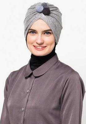 Model hijab turban modern aksen bunga image