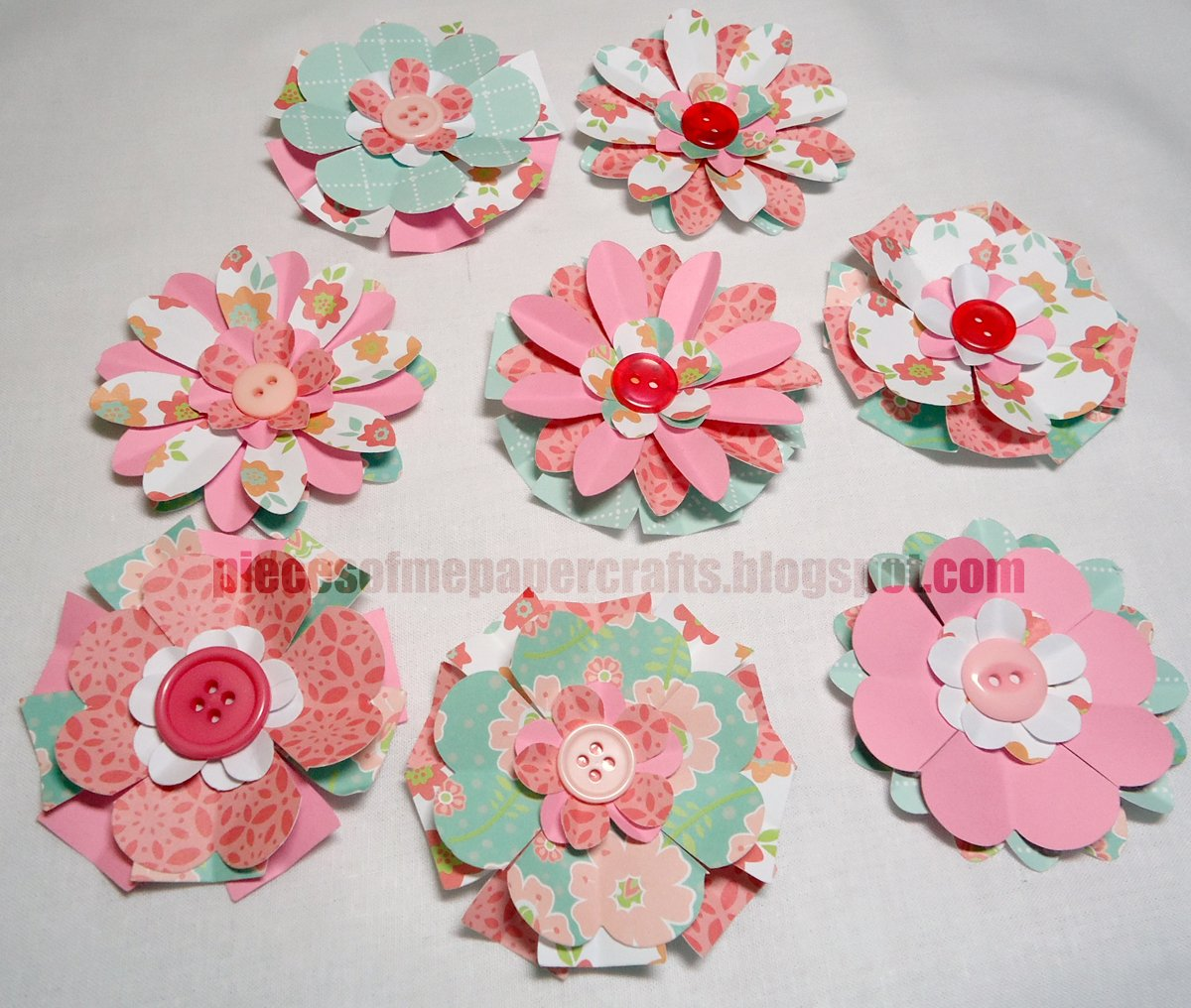 Pieces of Me Scrapbooking & Paper Crafts: Paper Flowers