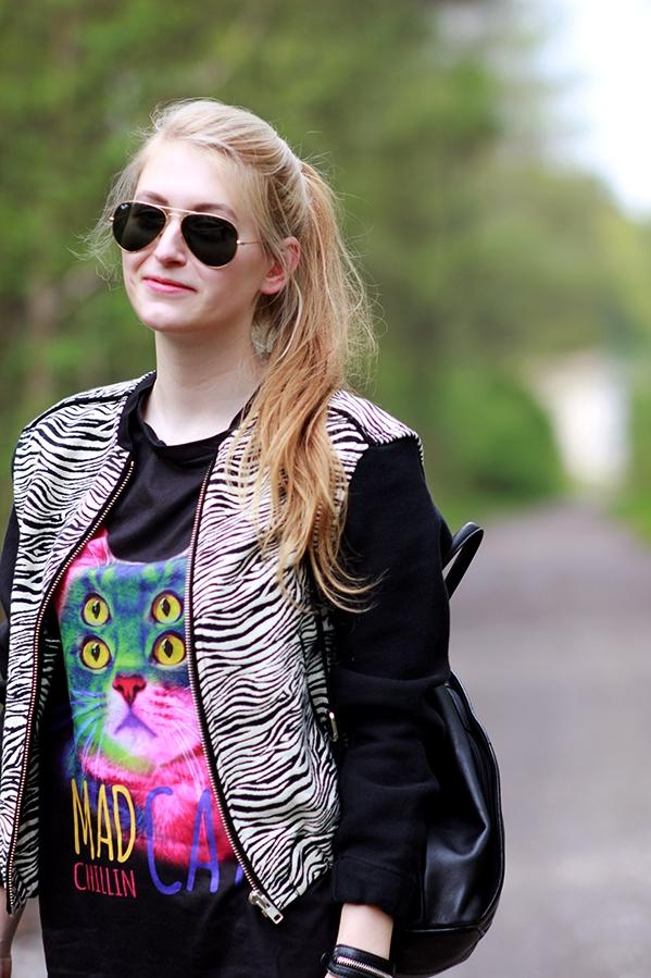 Mango jacket Sinsay leggins Mad Cat tshirt Adidas Originals sneakers TkMaxxx backpack
