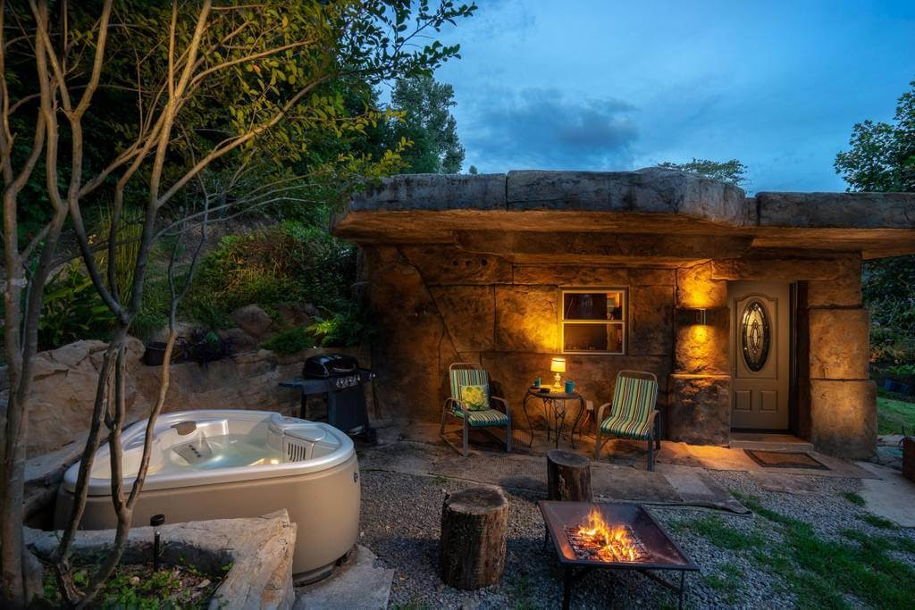10-Jacuzzi-and-Entrance-airbnb-The-Bedrock-Cave-Cottage-Architecture-www-designstack-co