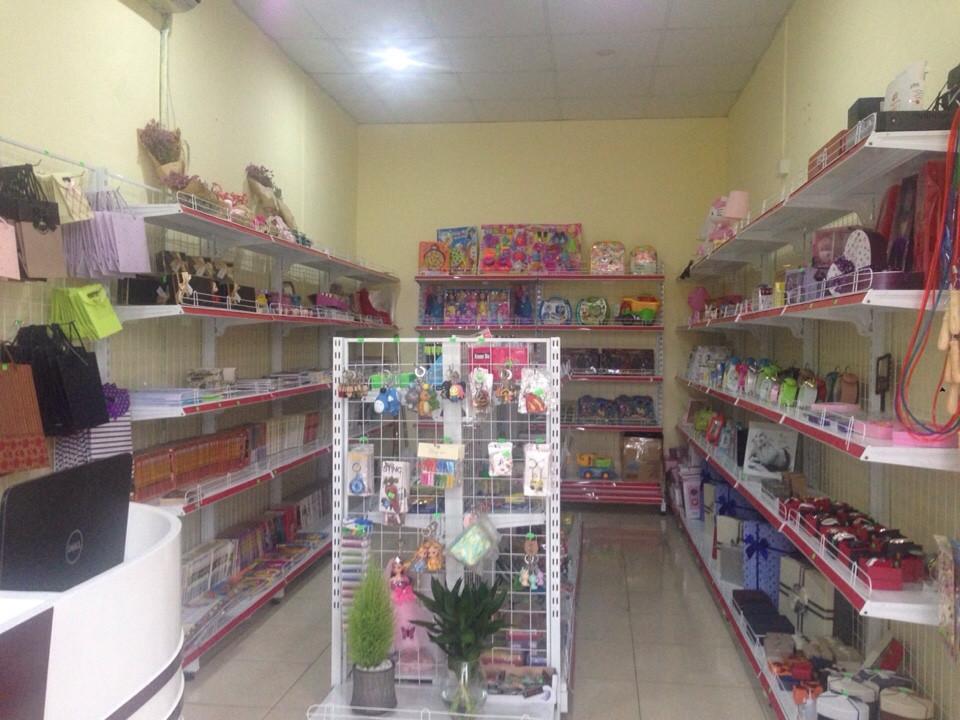 Kinh nghiệm bạn cần biết khi mua giá kệ siêu thị