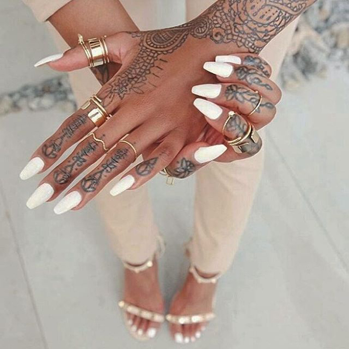 tatuagens-nos-dedos-pele-negra