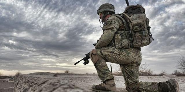 Γαλλία και Γερμανία παρουσιάζουν τους σχεδιασμούς τους για την ευρωπαϊκή άμυνα