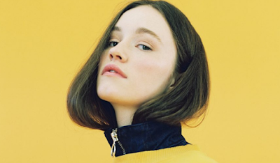 """Lirik Lagu Sigrid - Everybody Knows"""