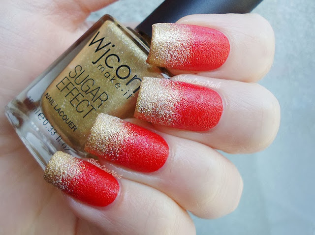 Christmas red and gold textured gradient