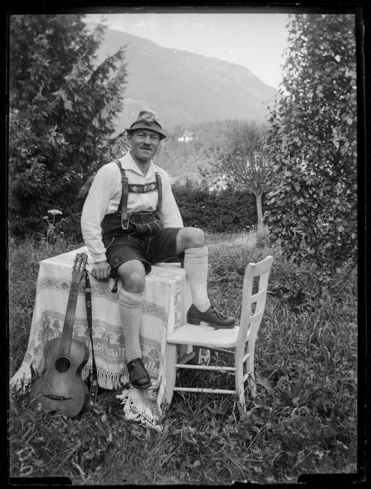 J. Meierhöfer im Selbstportrait um 1920-1930