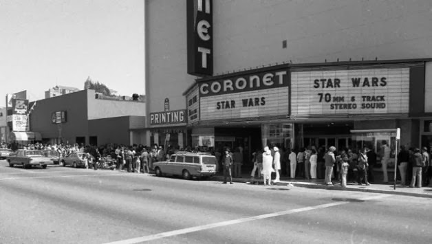 Star Wars opening Weekend movieloversreviews.filminpector.com