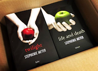 Logo Clicca e vinci gratis 4 copie dei romanzi ''Twilight'' e ''Life and Death'' di Stephenie Meyer
