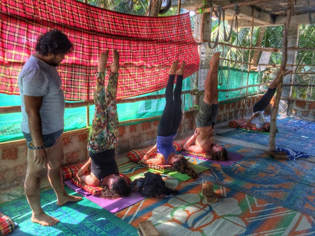 Alpesh teaching Iyengar Yoga in Arambol