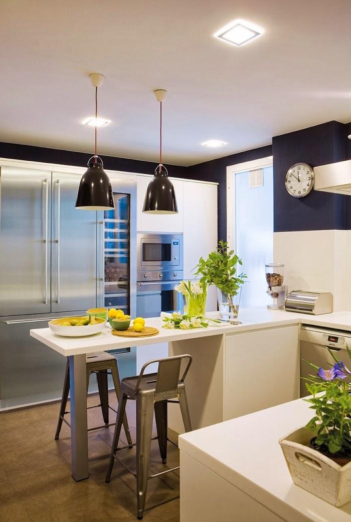 Oryginalne wnętrze w spokojnych szarościach, wystrój wnętrz, wnętrza, urządzanie domu, dekoracje wnętrz, aranżacja wnętrz, inspiracje wnętrz,interior design , dom i wnętrze, aranżacja mieszkania, modne wnętrza, styl nowoczesny, styl klasyczny, szare wnętrza, aranżacja w szarościach, kuchnia, aneks kuchenny