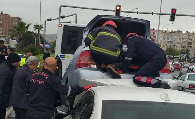 Abide kavşağında kaza: 2 yaralı