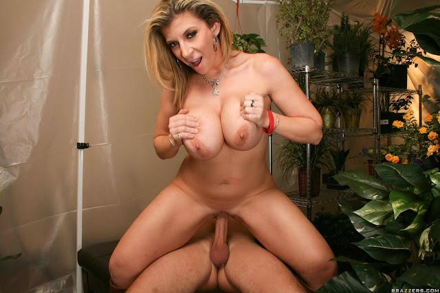 Sara Jay 6