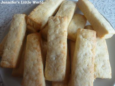 Simple cheese straws