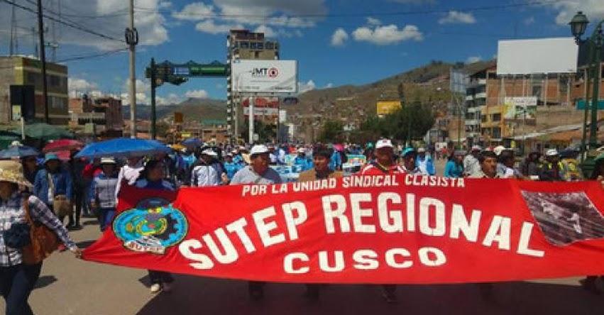 SUTEP: Más de 4 mil docentes del Cusco se movilizan por las calles en primer día de paro
