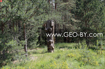 Статуи из мемориального комплекса Шлях Коласа на дороге из Столбцов в Николаевщину