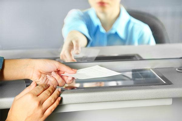 Efectivo Ahora: Cobrar cheque por ventanilla
